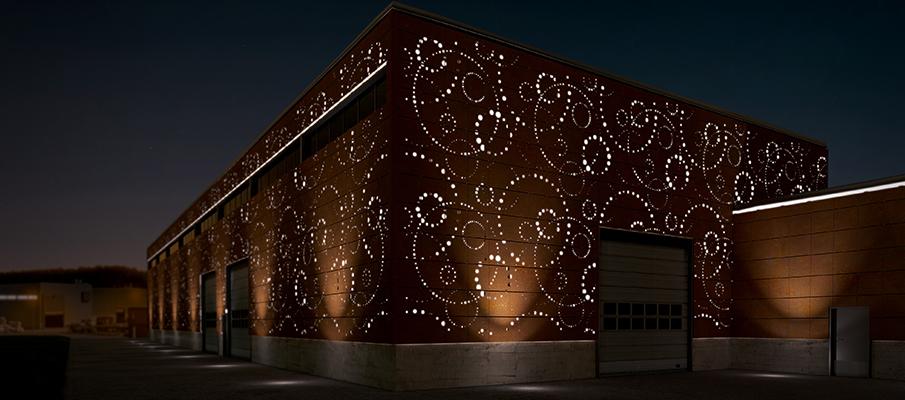 вентилируемые фасады с перфорацией и подсветкой