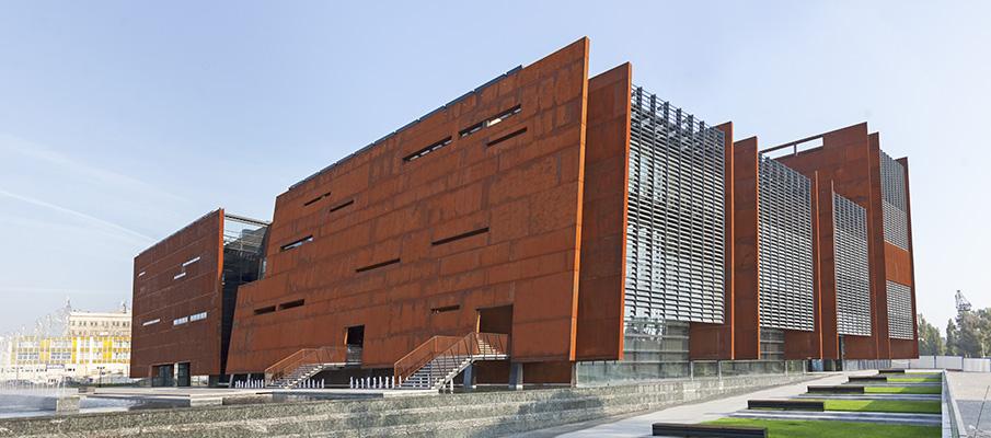 Унікальний фасад будівлі як візитна картка бізнесу
