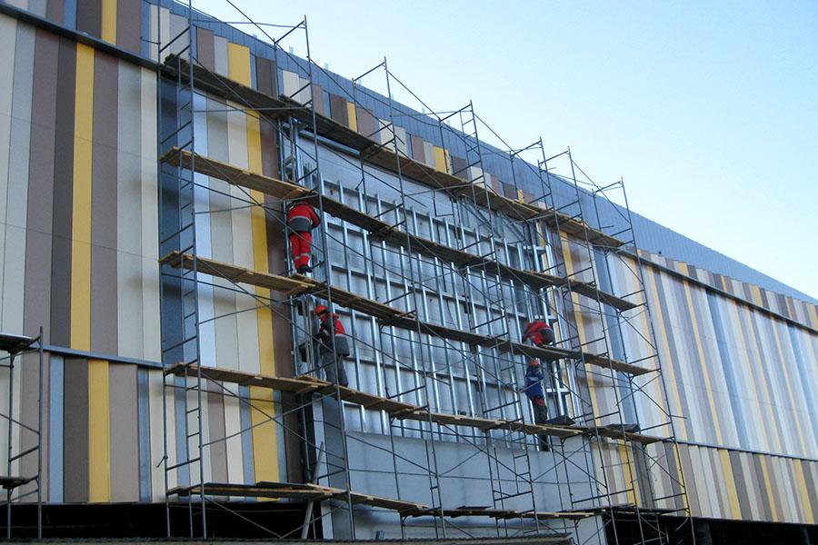 Реконструкція фасаду будівлі – кращий досвід оновлення торгових центрів