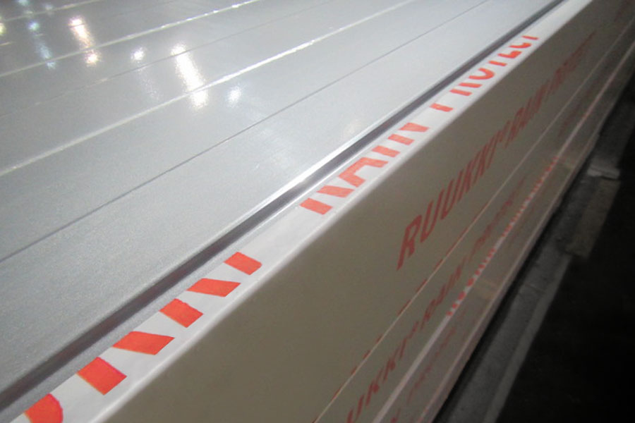 production of sandwich panels with Ruukki Rain Protect system