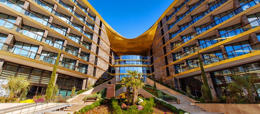 Hotel Mriya Resort & Spa