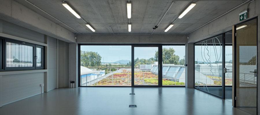 интерьер с бетонными конструкциями