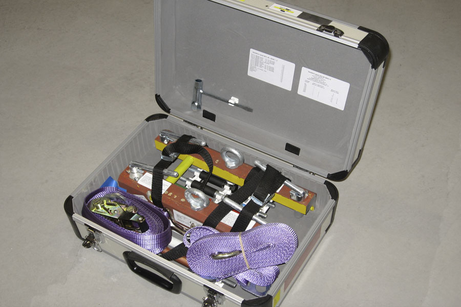 lifting tools for assembling sandwich panels